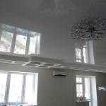 Натяжной потолок. Белый глянец.
